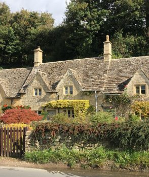What did you see on your run today? #445 stars some seriously gorgeous English cottages